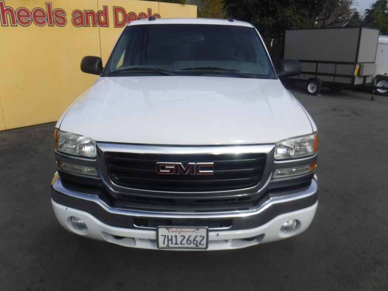 Gmc Sierra 2500 2004 price $19,499