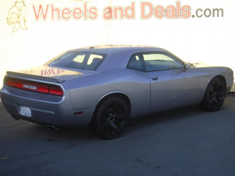 Dodge Challenger 2013 price $10,500