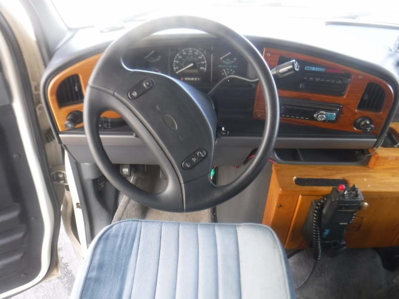 Ford Fleetwood 1995 price $14,950