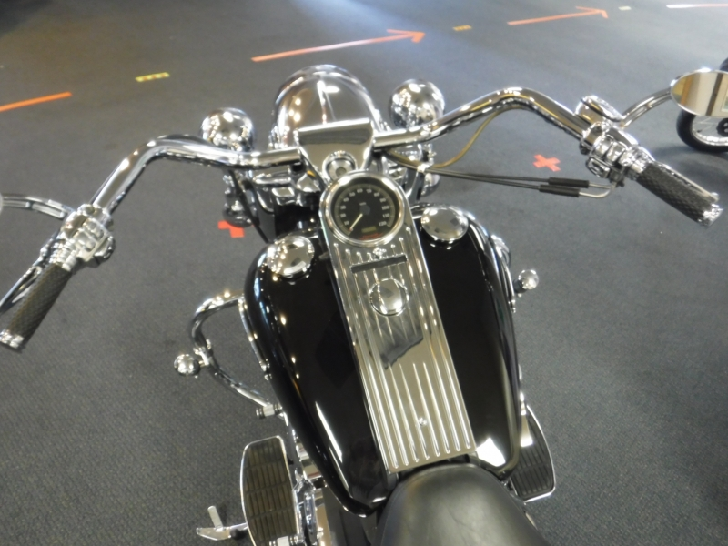 Harley Davidson Road King Custom 2001 price $12,500