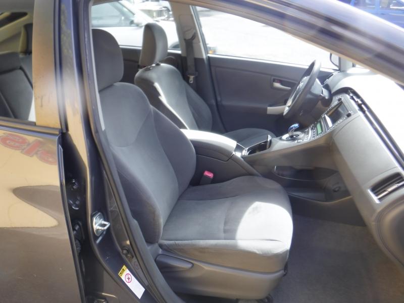 Toyota Prius 2011 price $7,100