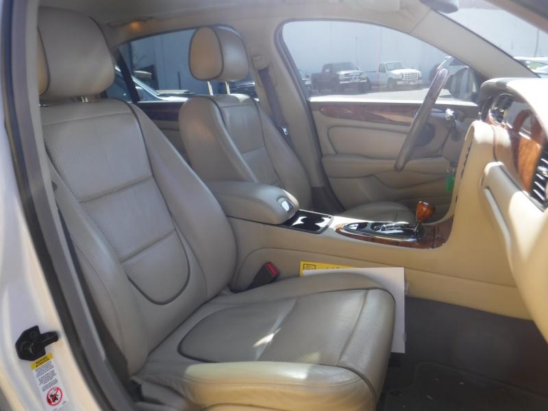 Jaguar XJ8 2009 price $15,500