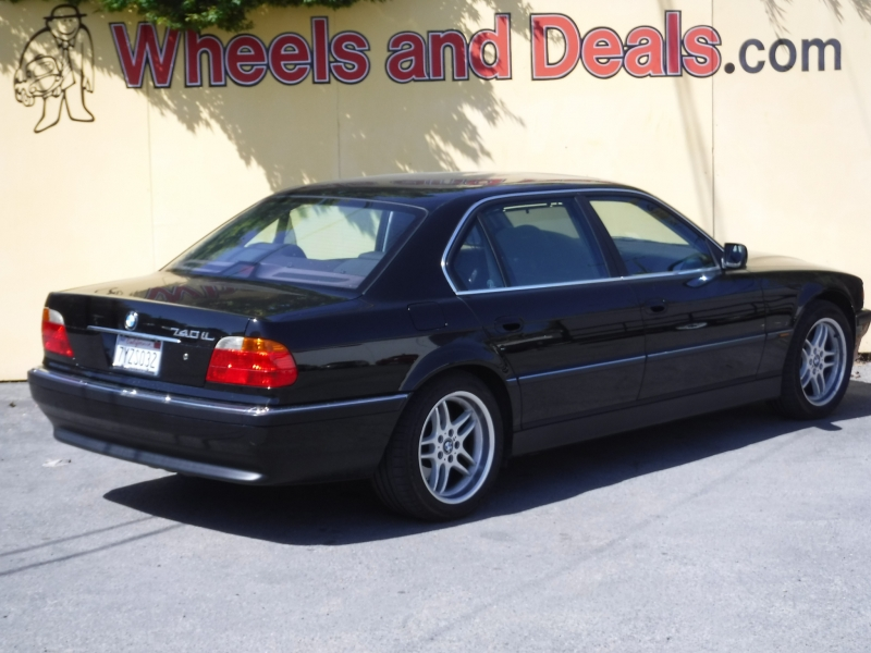 BMW 740il 2000 price $12,850