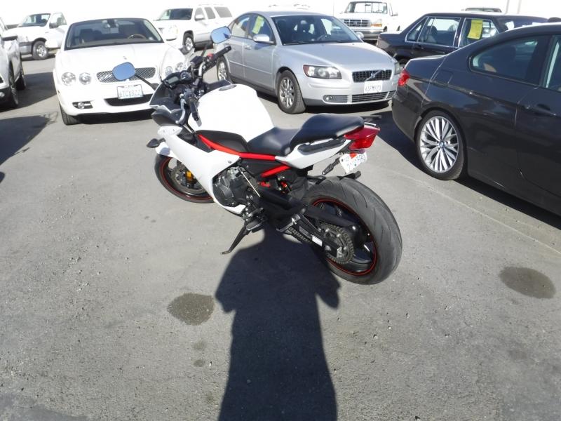 Yamaha FZ6R 2013 price $3,800