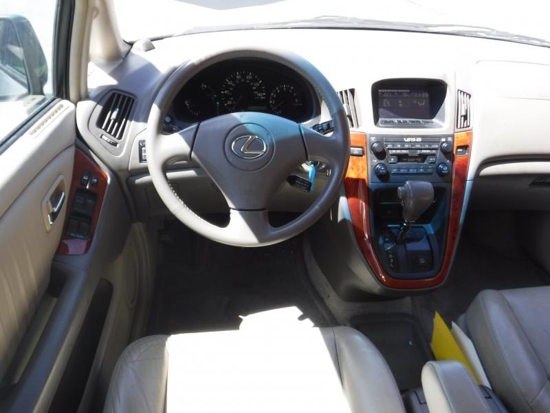 Lexus RX300 2001 price $4,999