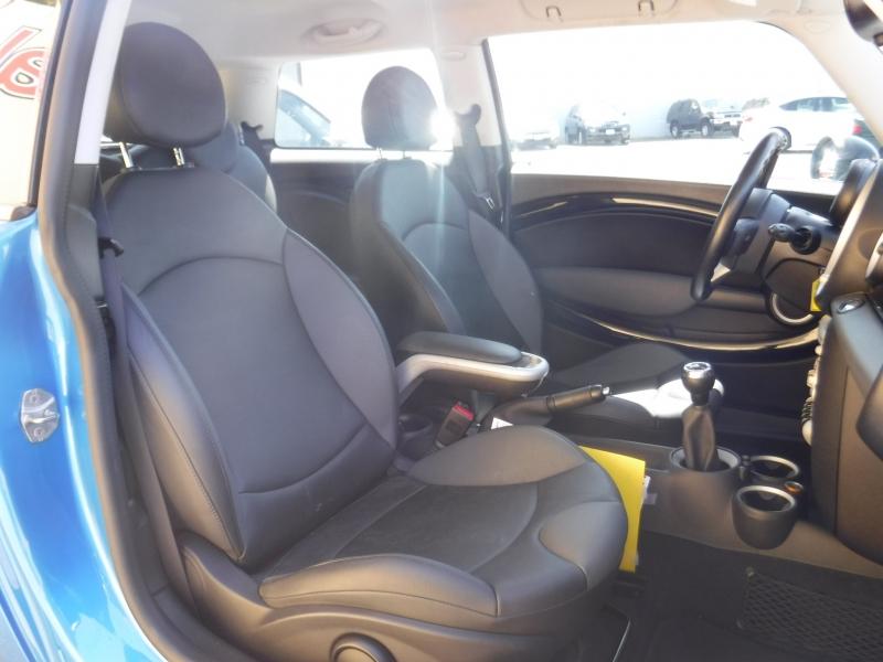 MINI Cooper 2010 price $6,000