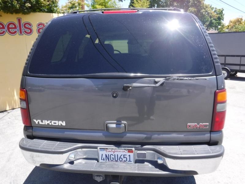 GMC Yukon 2001 price $7,800