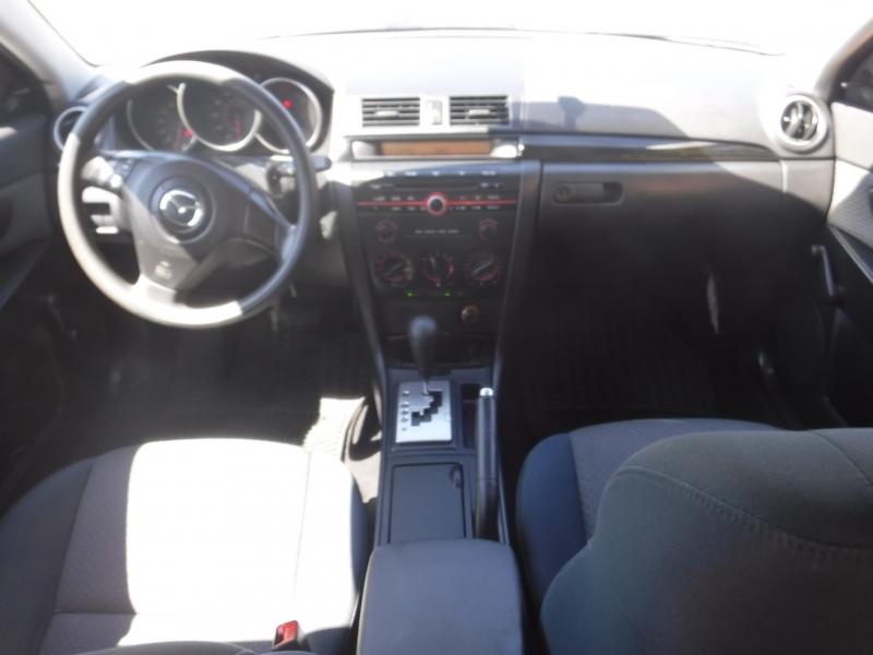 Mazda 3 2005 price $5,000