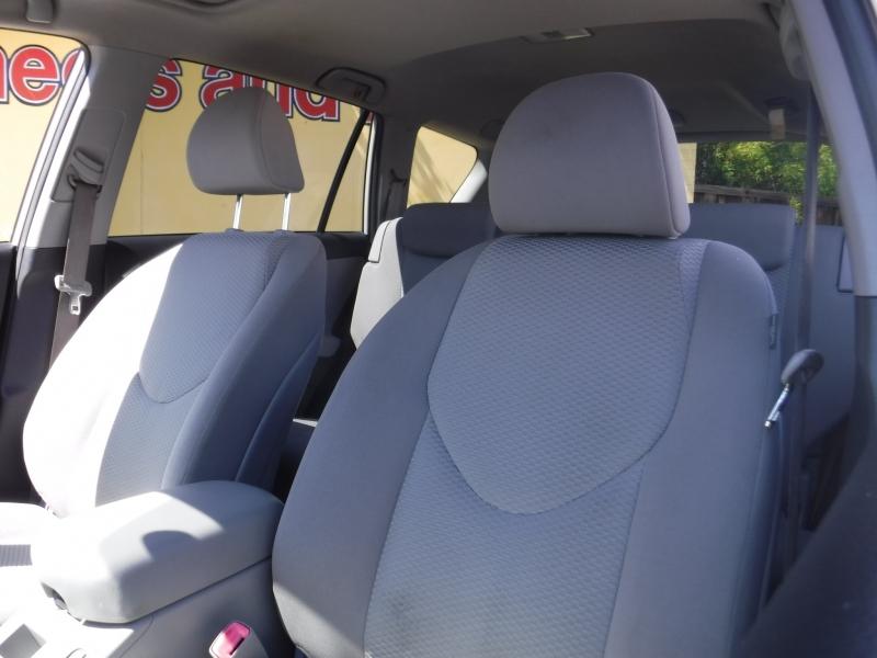 Toyota Rav4 2007 price $9,000