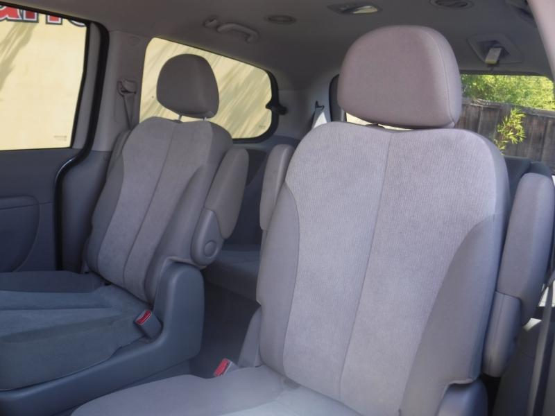 Kia Sedona 2012 price $6,999