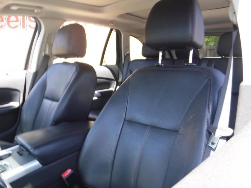 Ford Edge 2017 price $11,499