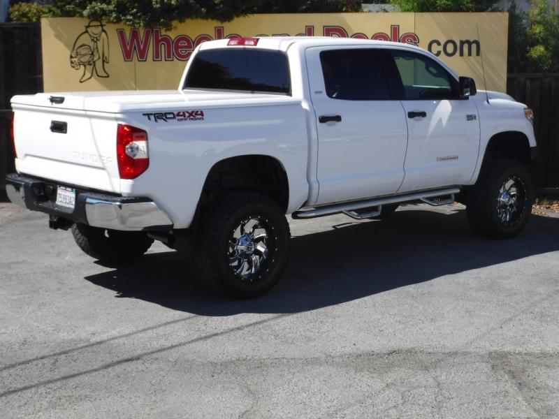 Toyota Tundra 2016 price $45,999