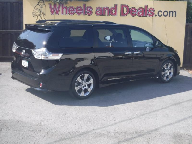 Toyota Sienna 2013 price $23,500