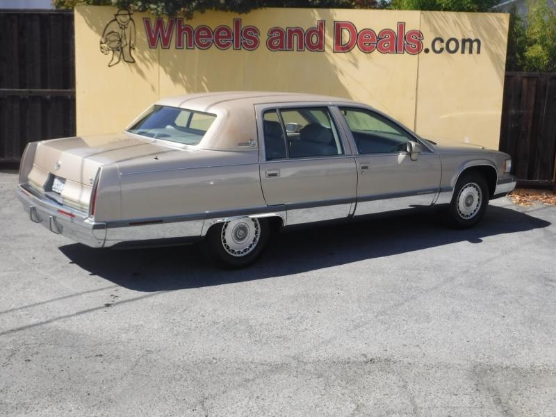 Cadillac Fleetwood 1993 price $5,999