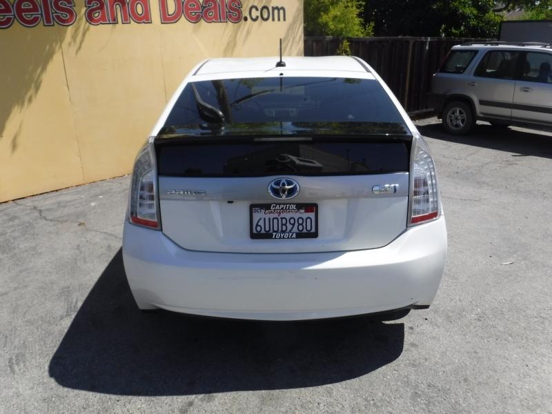 Toyota Prius 2013 price $11,500