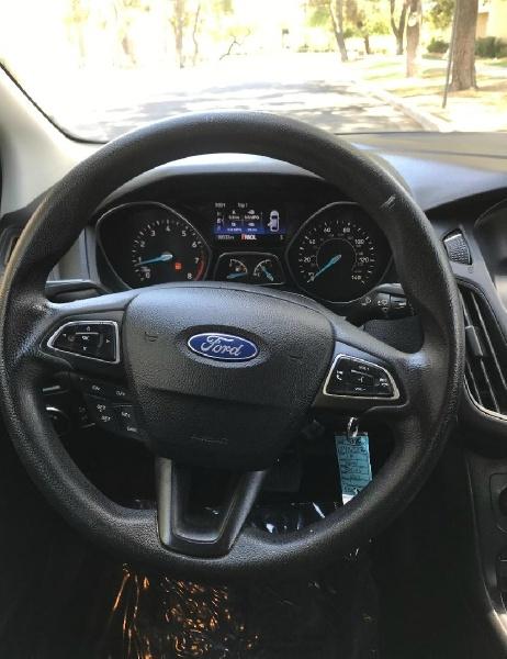 Ford Focus SE 2015 price $5,995