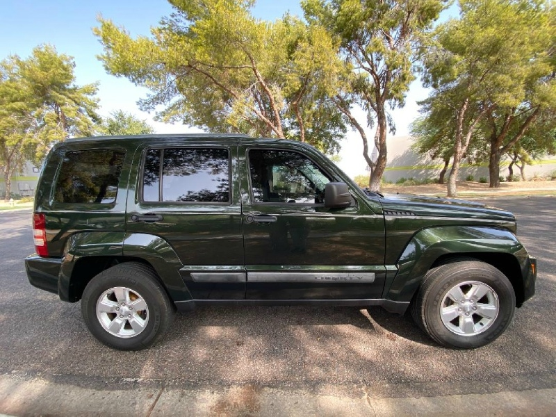 Jeep Liberty 4wd Sport Latitude 2012 price $5,995