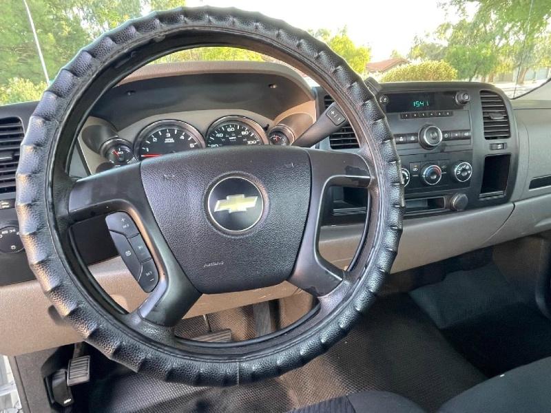 Chevrolet Silverado 3500HD Dually 2013 price $15,995