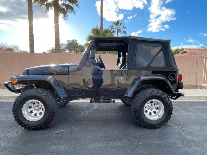 Jeep Wrangler X 2004 price $10,995