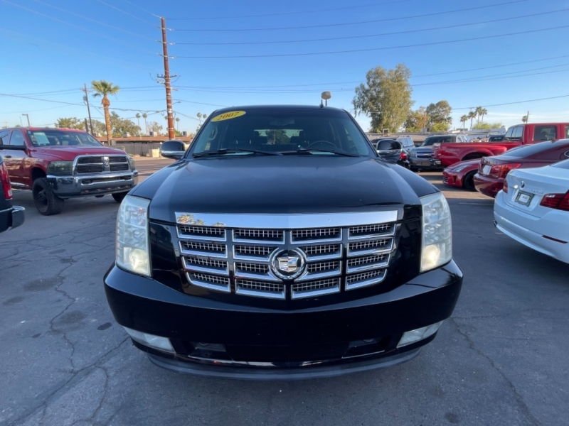 Cadillac Escalade 2007 price $10,995