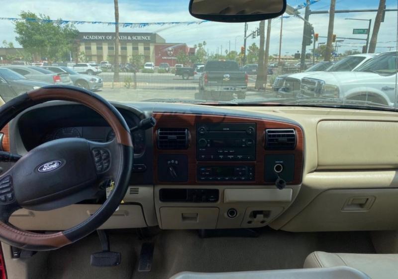 Ford Super Duty F-350 Lariat (4WD) 2005 price $13,995