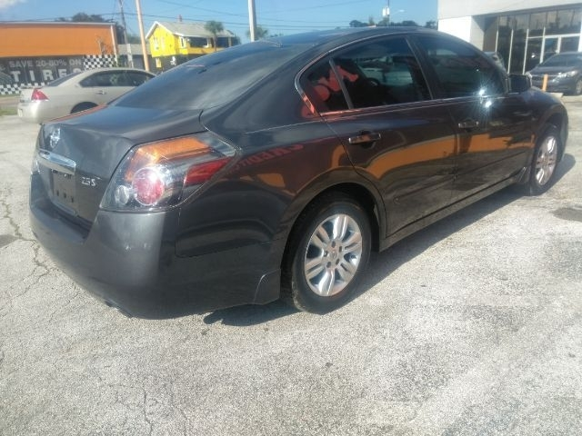 Nissan Altima 2010 price $3,999