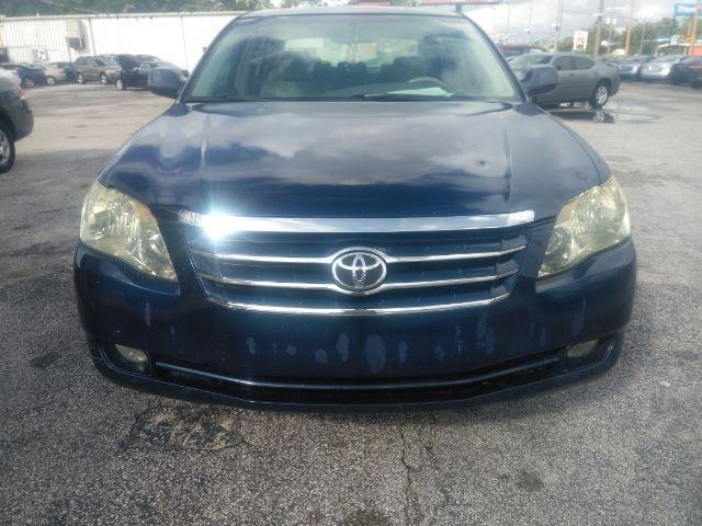 Toyota Avalon 2006 price $4,999