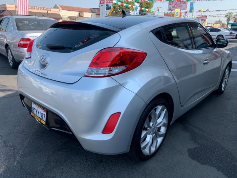 Hyundai Veloster 2012 price $9,995