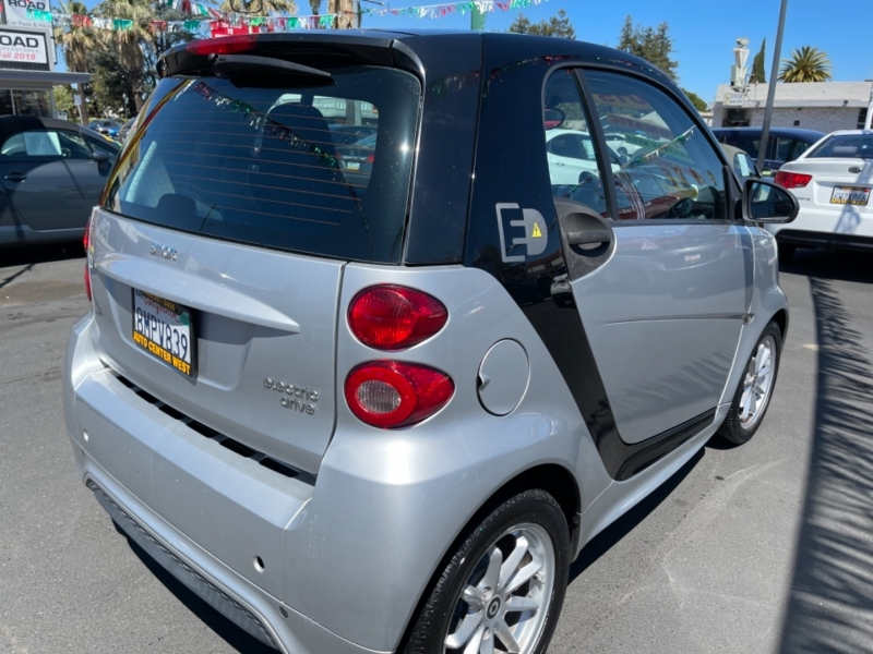 Smart fortwo electric drive 2016 price $7,995