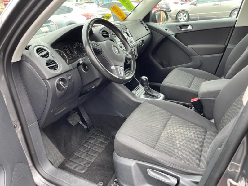 Volkswagen Tiguan 2013 price $11,995