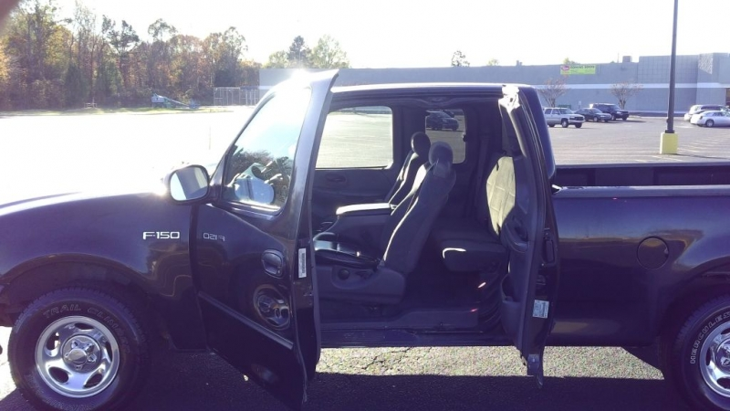 FORD F150 2002 price $6,000