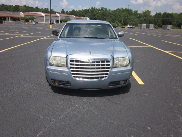 CHRYSLER 300 2006 price $3,800