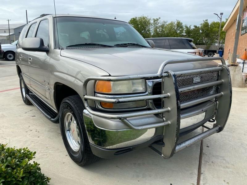 GMC Yukon 2002 price $3,499