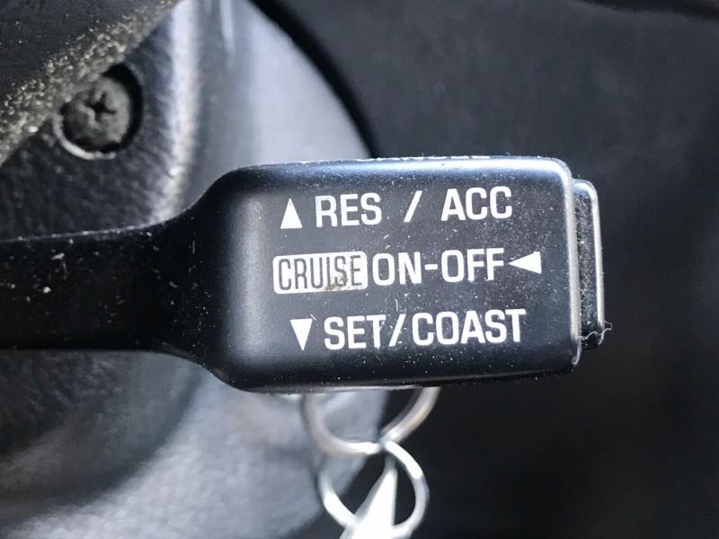 Pontiac Vibe 2004 price $2,295