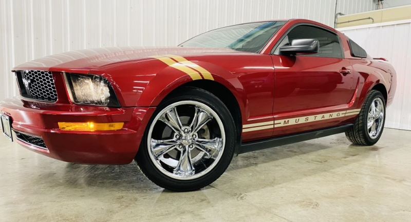 FORD MUSTANG 2005 price $10,900