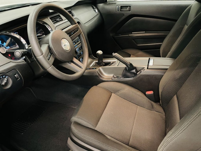 FORD MUSTANG 2010 price $14,500