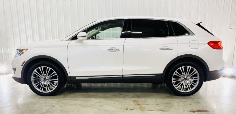 LINCOLN MKX 2018 price $34,900