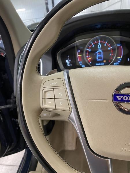 VOLVO XC60 2015 price $17,200
