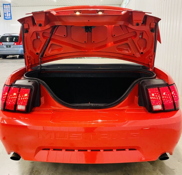 FORD MUSTANG 2001 price $9,900