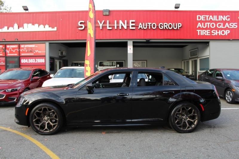 Chrysler 300 2020 price $36,889