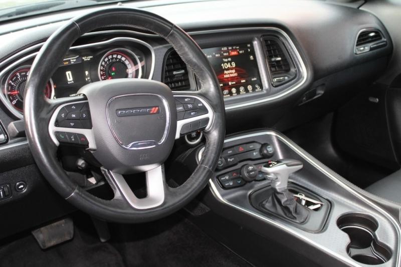 Dodge Challenger 2016 price $25,889