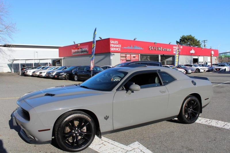 Dodge Challenger 2017 price $31,889