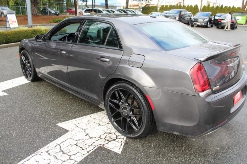 Chrysler 300 2017 price $22,889