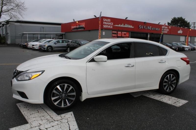 Nissan Altima 2017 price $17,889
