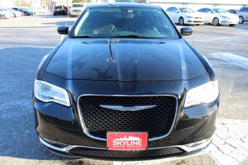 Chrysler 300 2017 price $19,889