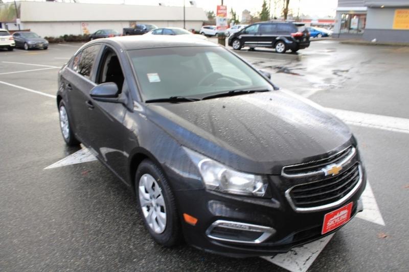 Chevrolet Cruze 2015 price $10,889