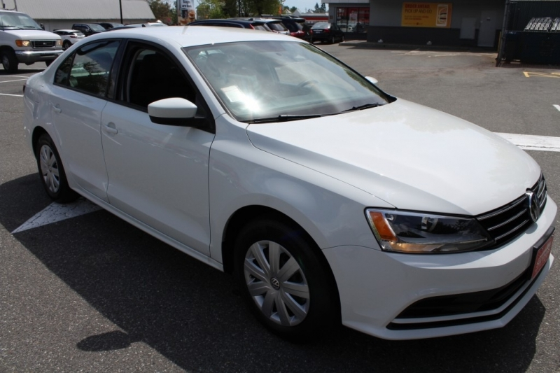 Volkswagen Jetta 2017 price Call for Pricing.