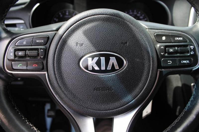Kia Optima 2017 price Call for Pricing.