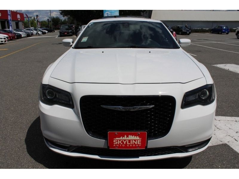 Chrysler 300 2018 price Call for Pricing.