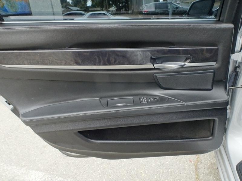 BMW 7-Series 2009 price $11,996